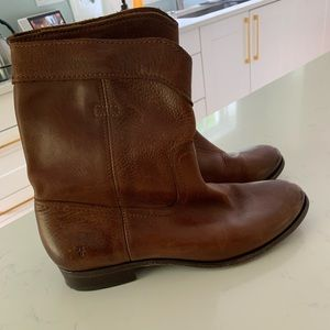 Frye boots size 8.5 womens